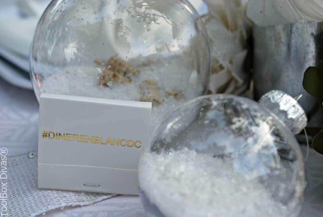 Diner En Blanc DIY Portable Table
