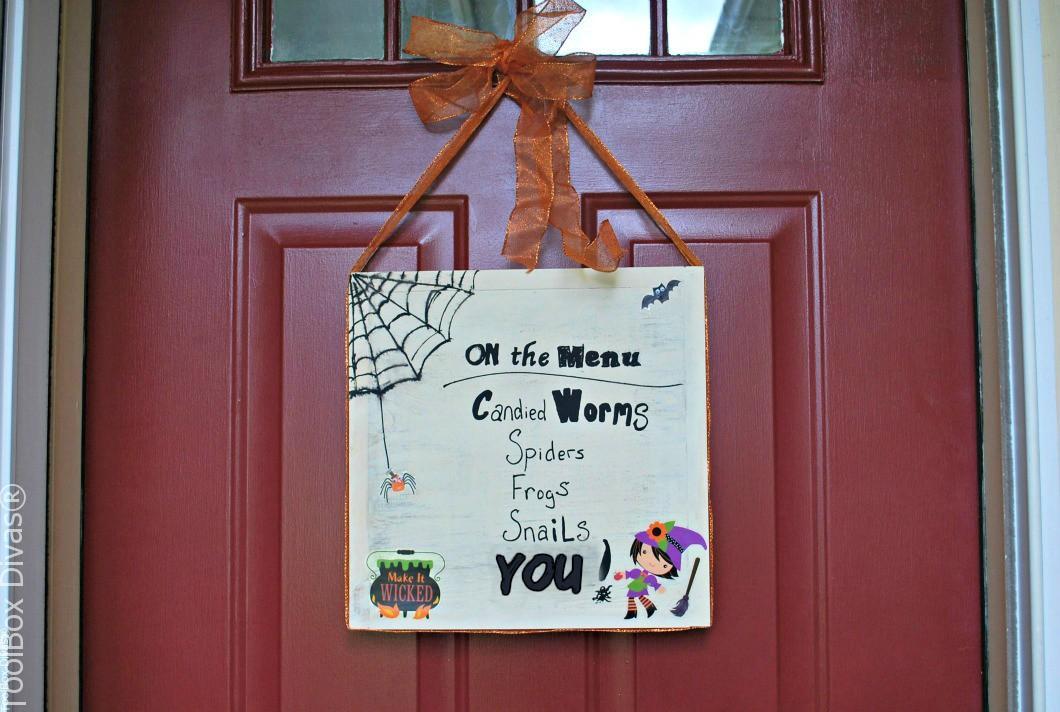 DIY Chalkboard Halloween Sign