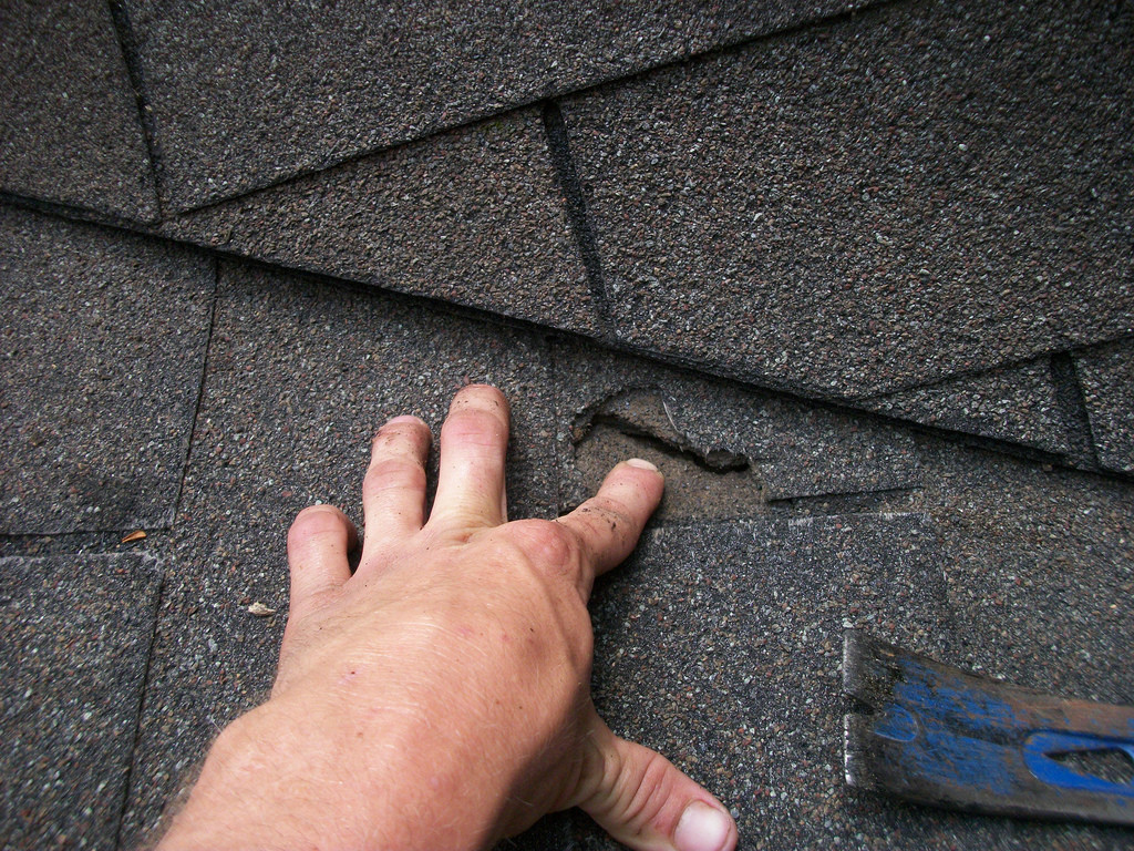 7 Things To Know When DIY-ing Roof Shingle Installation