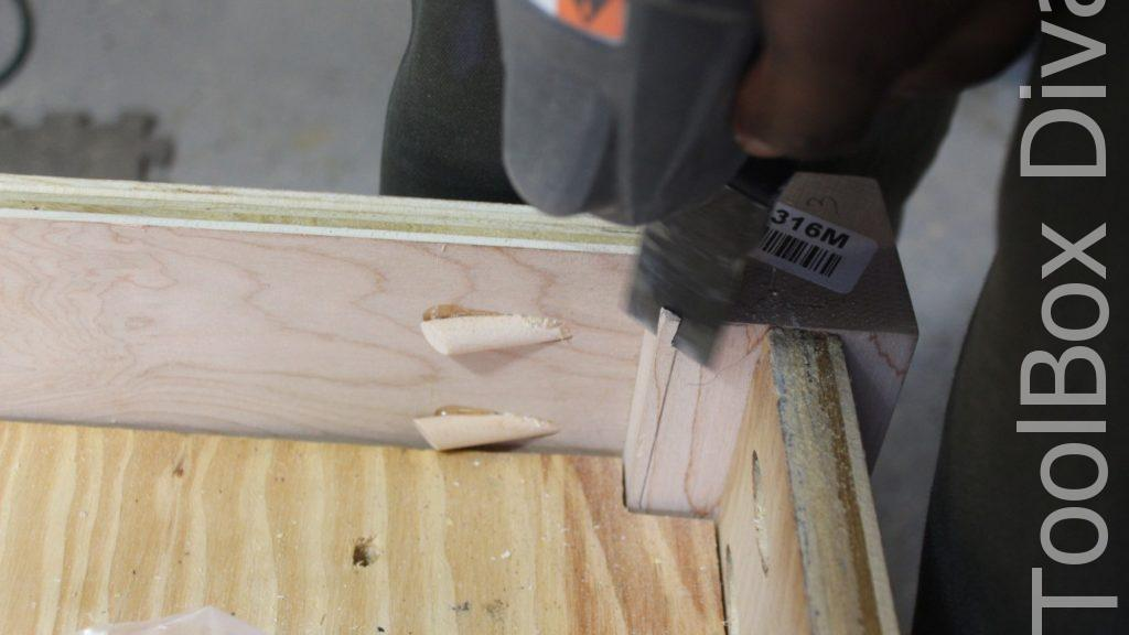 How to Build A DIY Tufted Bench - Toolbox Divas 17
