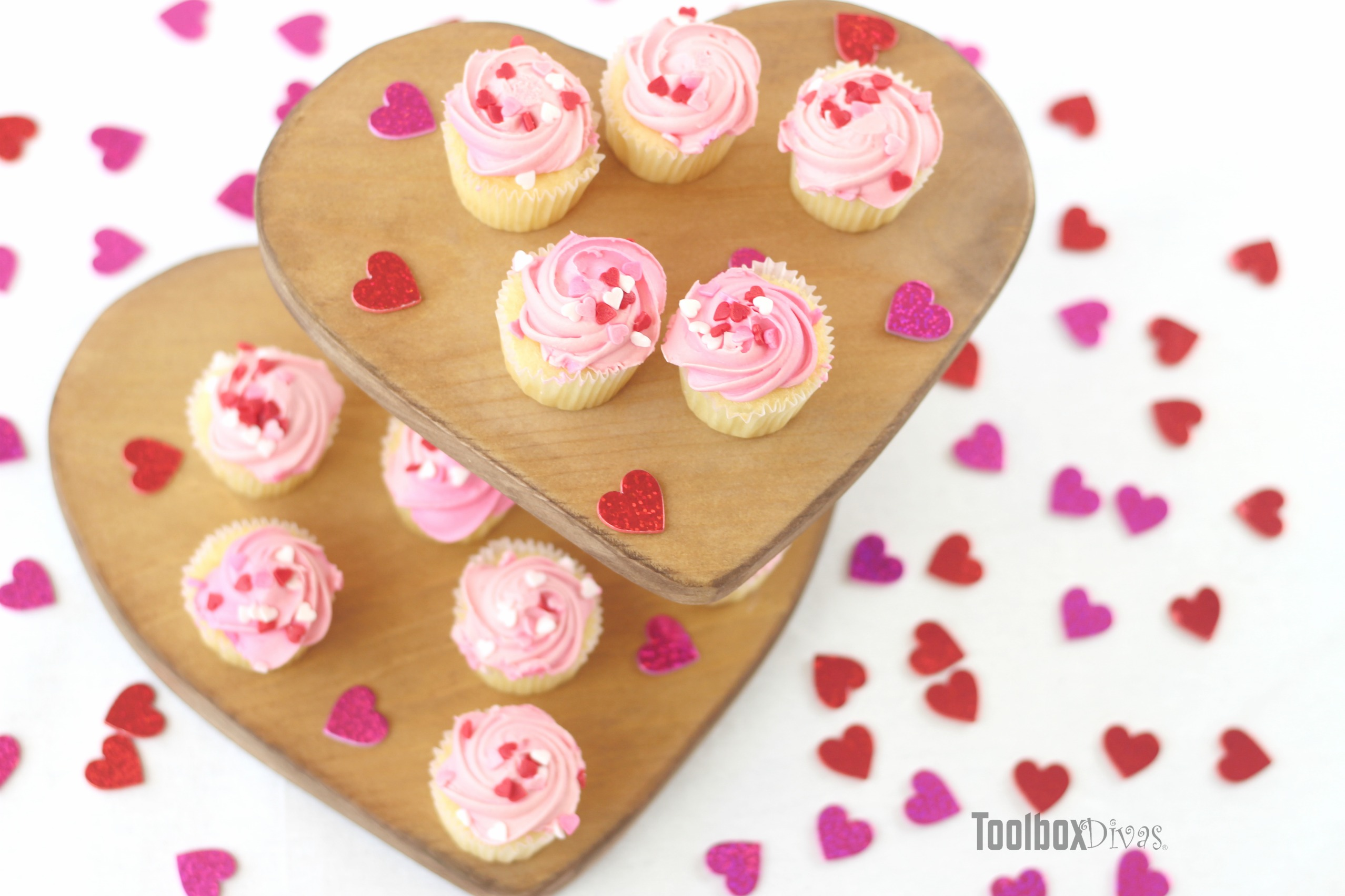How to Make A Two-Tiered Cupcake Stand