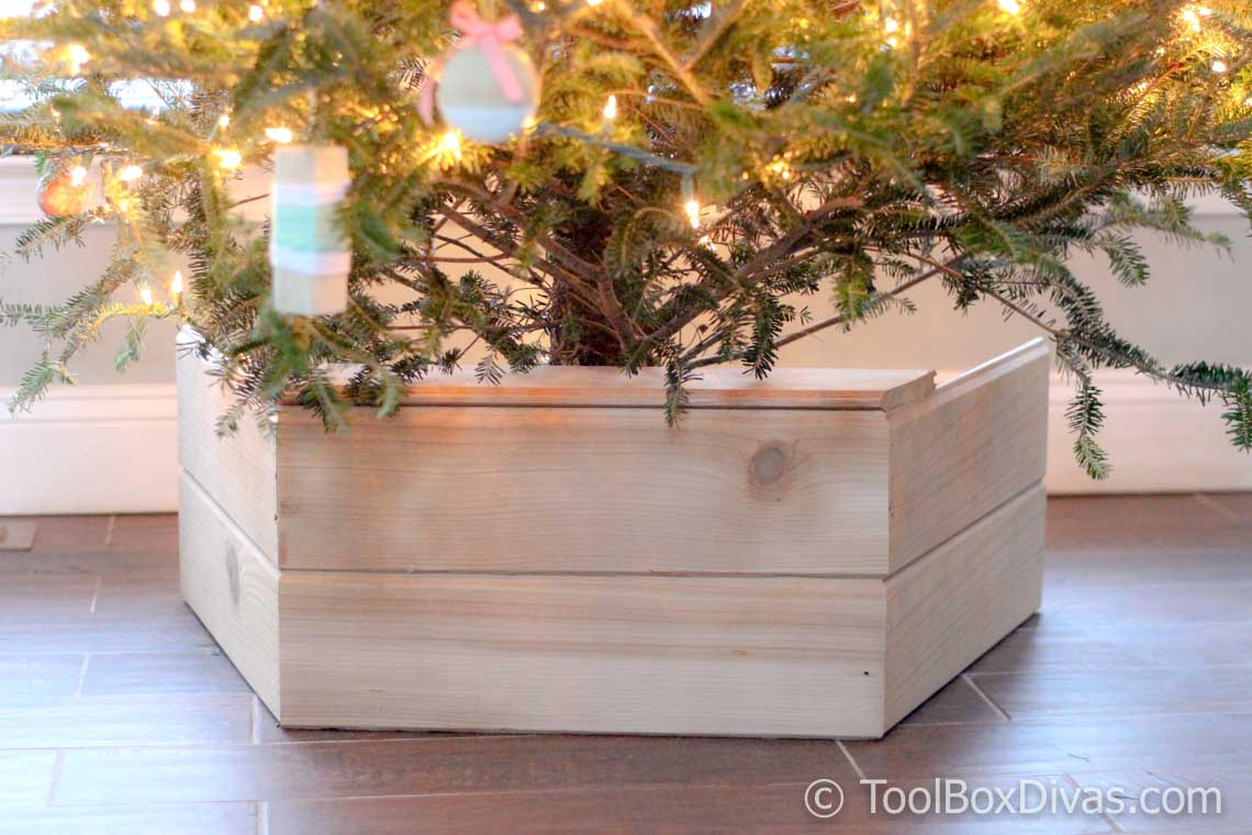 DIY Wooden Christmas Tree Stand | Box