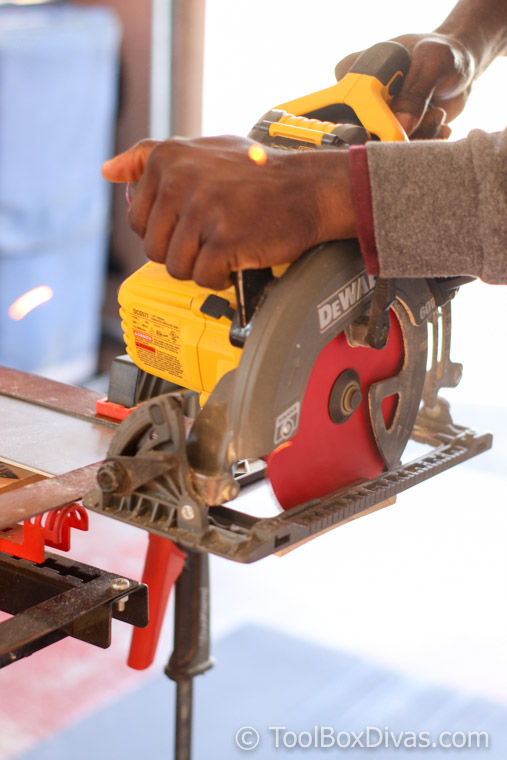 5 Easy Ways to Cut Metal Safely