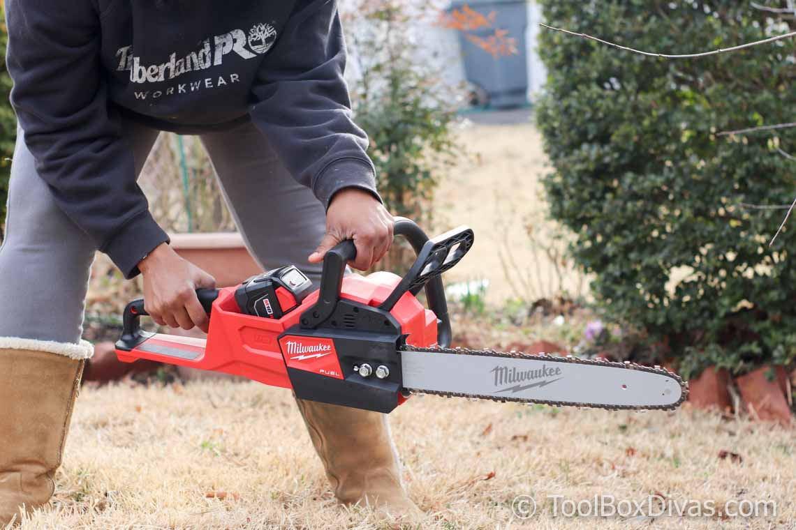 Review of the Milwaukee M18 FUEL 16 in. 18-Volt Lithium-Ion Battery Brushless Cordless Chainsaw