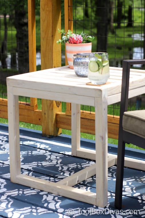 Simple $10 DIY Outdoor Side Table
