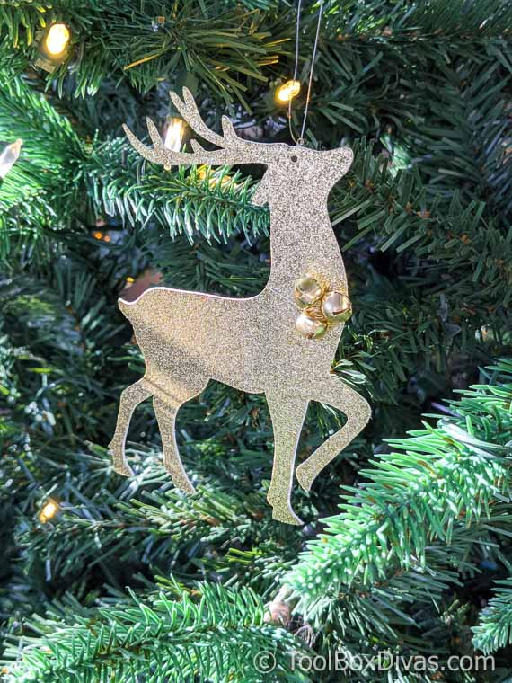 glittered reindeer ornament with cricut