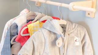 DIY-Baby-Child-Wall-Mounted-Clothes-Rack-@Toolboxdivas