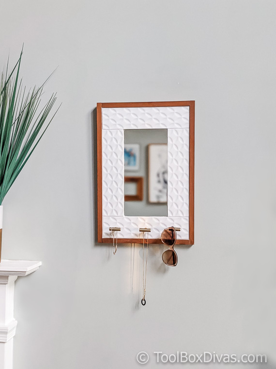 Tiled Hanging Mirror with Jewelry Storage @ToolBoxDivas (21 of 47) Jewelry storage