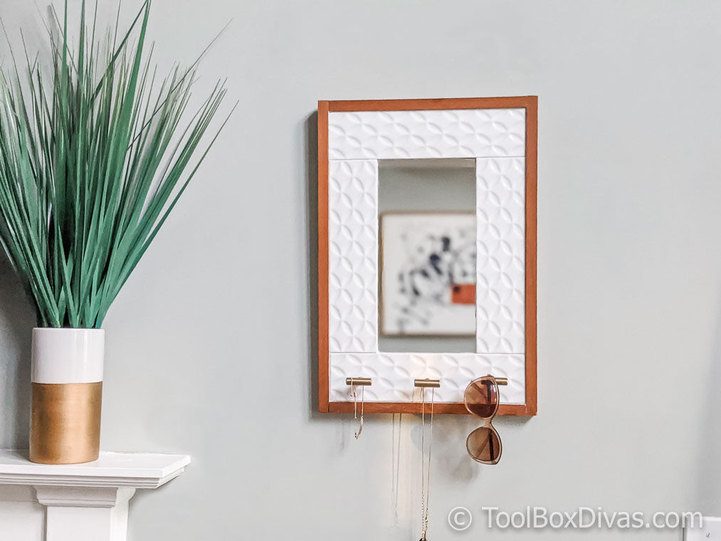 Tiled Hanging Mirror with Jewelry Storage @ToolBoxDivas (29 of 47) Jewelry Storage