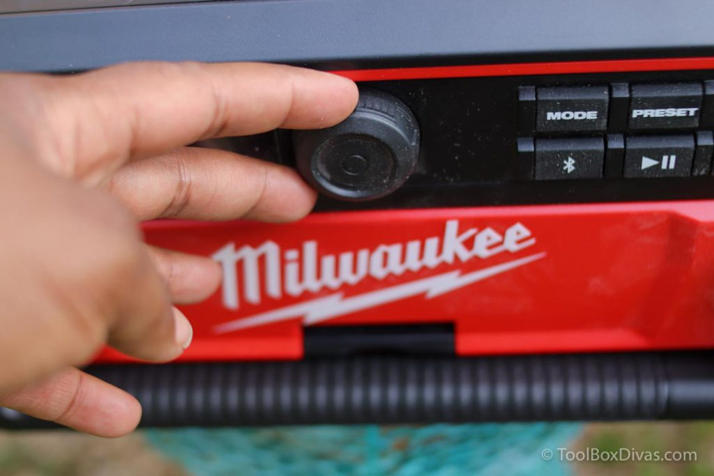 Review of MIlwaukee Packout Radio-charger @toolboxdivas016
