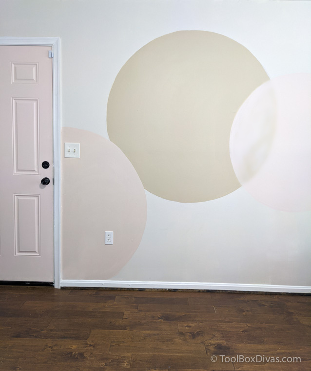 DIY Painted Accent Wall Mural | Perfect Backdrop