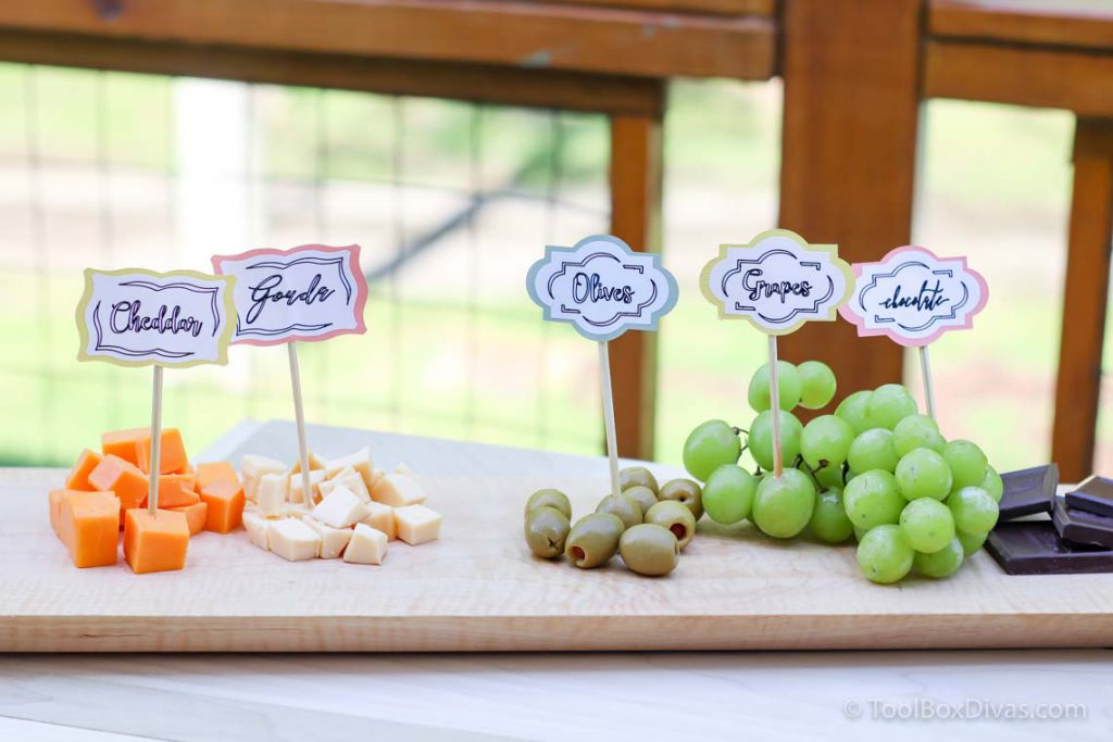 Easy Outdoor Tablescape Ideas you Can Create with a Cricut by ToolBox Divas (94 of 97)