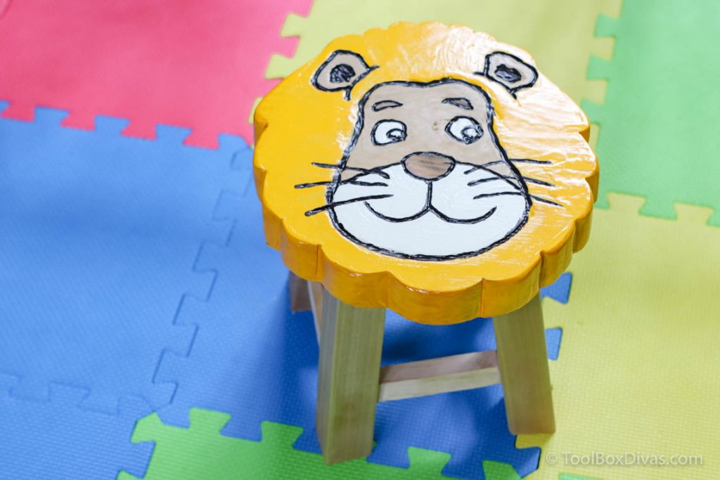 lion stool Dremel project